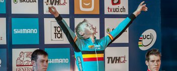 Michael Vanthourenhout i Laurens Sweeck zdobyli dla Belgii złoty i srebrny medal w kategorii orlików podczas odbywających się w czeskim Taborze Mistrzostwach Świata w kolarstwie przełajowym. Po brązowy krążek sięgnął Holender Stan Godrie.